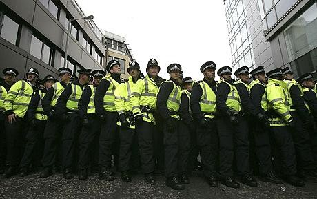 Police could face pay cuts if they fail fitness tests