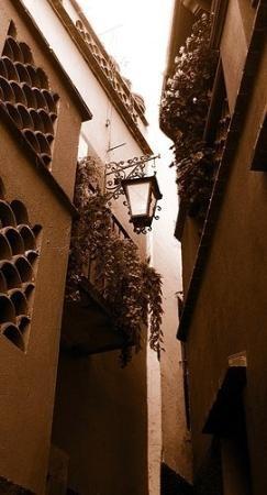 The Alley of Kiss, Guanajuato, Mexico