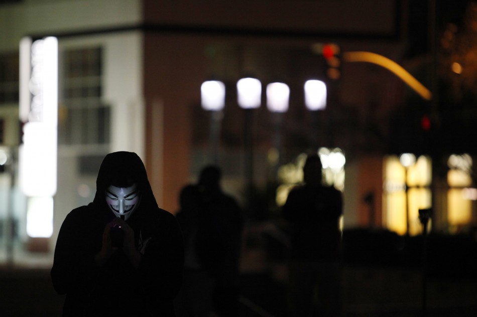 Occupy: Anonymous Hackers Threaten Black Bloc 'Protesters' [VIDEO]