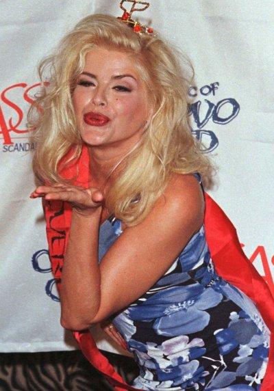 MODEL ANNA NICOLE SMITH LAUNCHES S.A.S.S. FOUNDATIONAT AT PLANET HOLLYWOOD.
