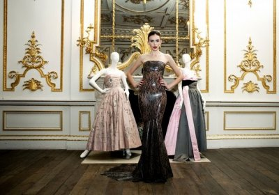 VA Displays British Glamour since 1950 through Exclusive Couture Creations