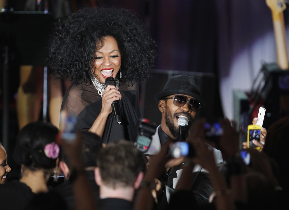 Singers Diana Ross (L) and Jamie Foxx