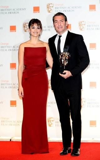 Jean Dujardin with Penelope Cruz