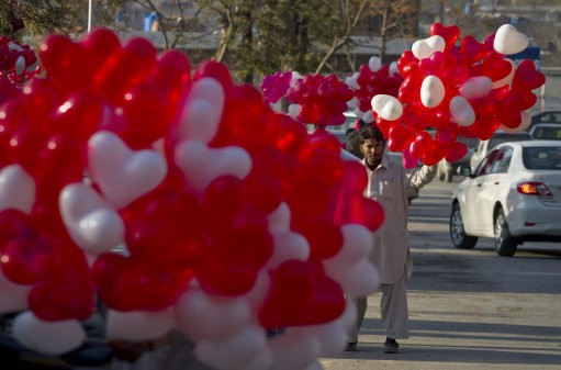 Valentine Day Celebrations in Pictures