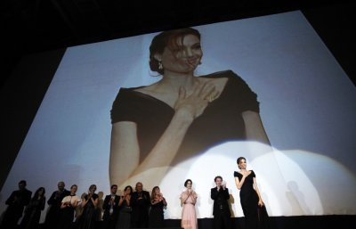 Angelina Jolie receives applause