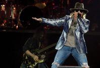 Guns N' Roses to reunite.