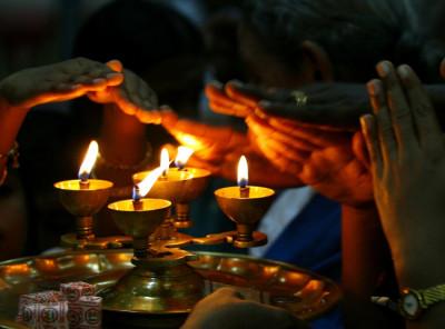 Sri Lankan Hindu devotees