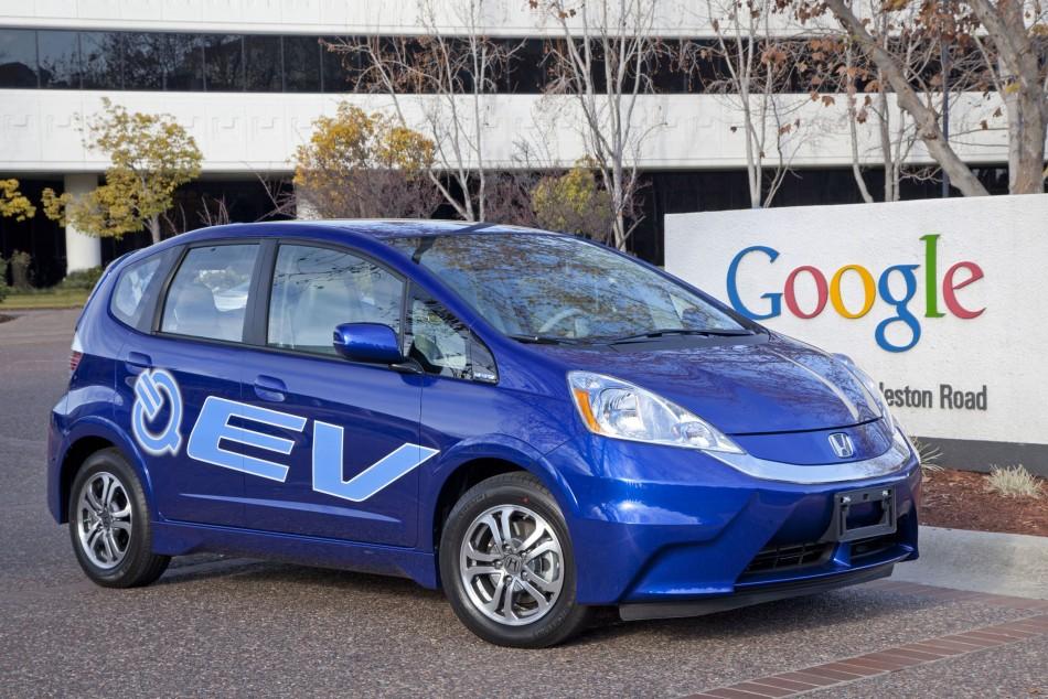 Honda delivers 2013 Fit EV battery-electric vehicles
