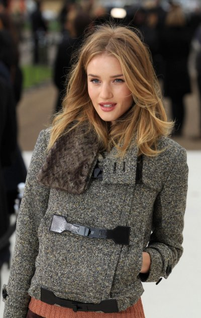 Rosie Huntington-Whiteley, Alexa Chung Add Star Power to Burberry 2012 LFW