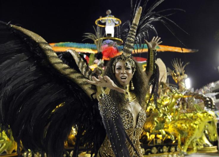Sexy samba dancer - 3 6
