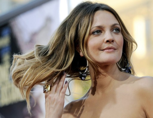 Drew Barrymore, a cast member in quotGoing the Distance,quot poses at the premiere of the film