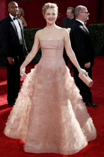 Drew Barrymore arrives at the 61st Primetime Emmy Awards