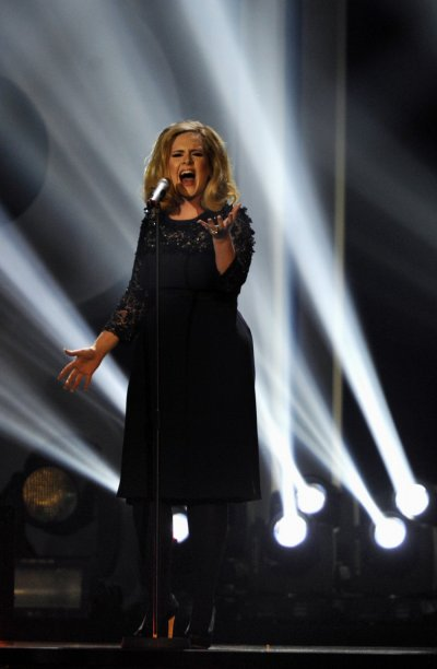 Adele performs quot Rolling in the deepquot