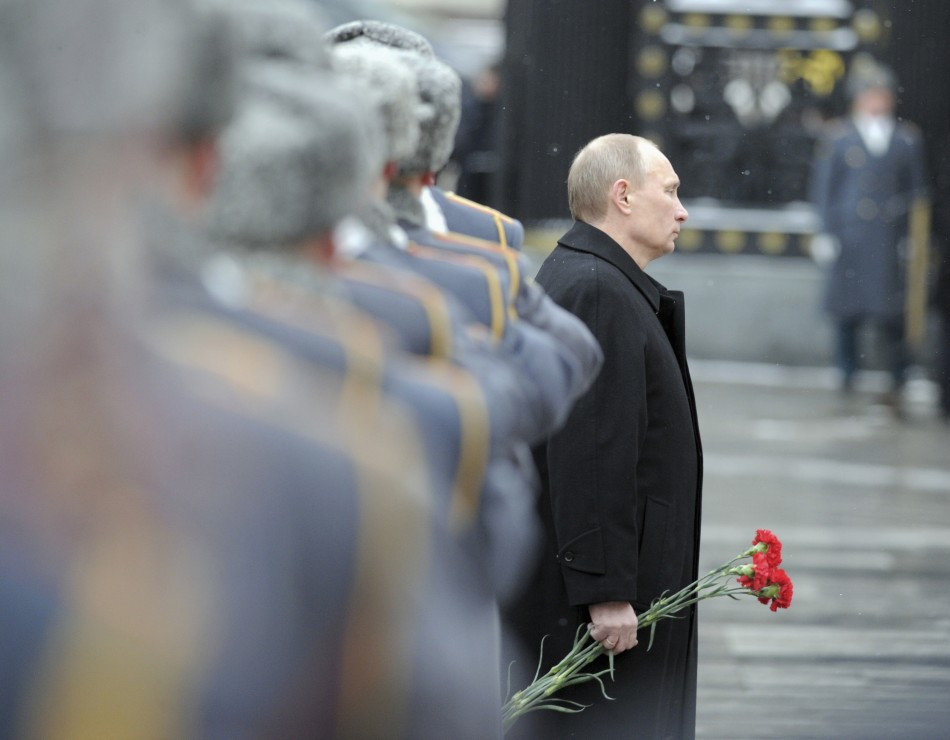 Putin lays wreath at Tomb of Unknown Soldier near Kremlin on Fatherland Day in Moscow