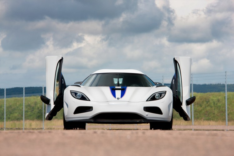 Worlds Fastest Sports Cars From Bugattis To The Lamborghinis - Sports car price