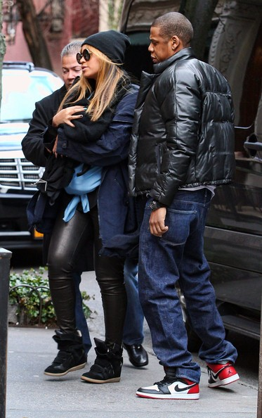 Beyonce, Jay-Z And Daughter Blue Ivy Out For Lunch In New York