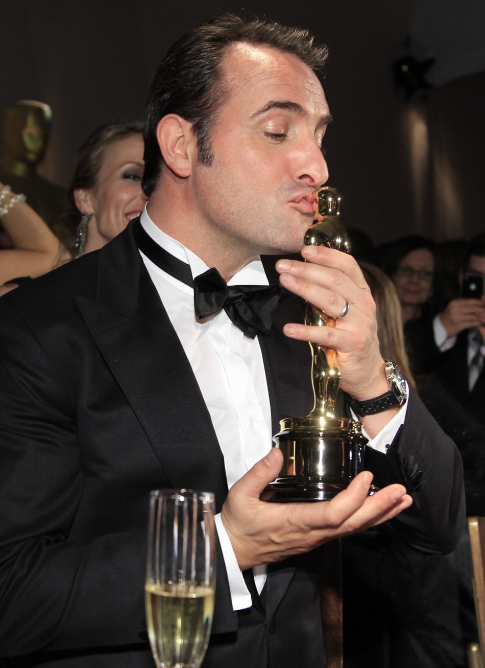 Oscars 2012 meryl streep and winners party all night for Film jean dujardin 007