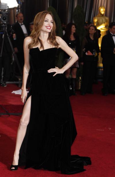 Angelina Jolies Leg Oscars 2012