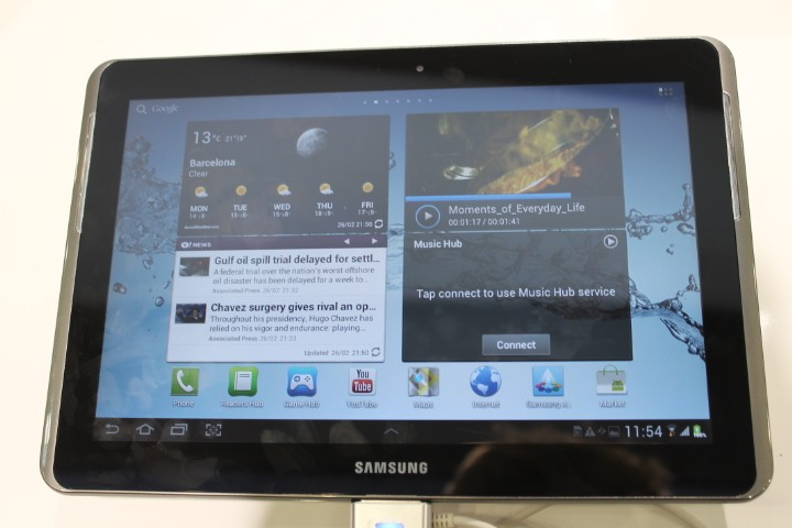 MWC 2012: Samsung Galaxy Tab 2 Hands-On Preview (Pictures)