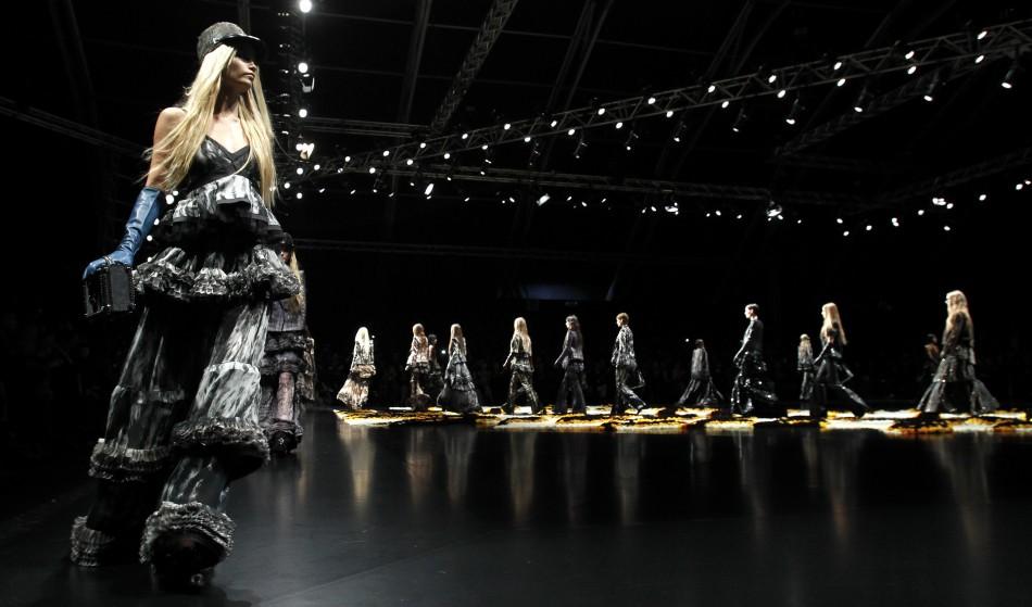 Supermodel Naomi Campbell Sizzles in Roberto Cavalli Milan Show