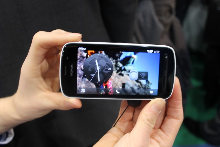 MWC 2012: Nokia 808 PureView Hands-On Preview