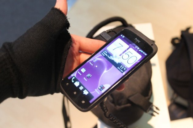 MWC 2012: HTC One S Hands-On Preview