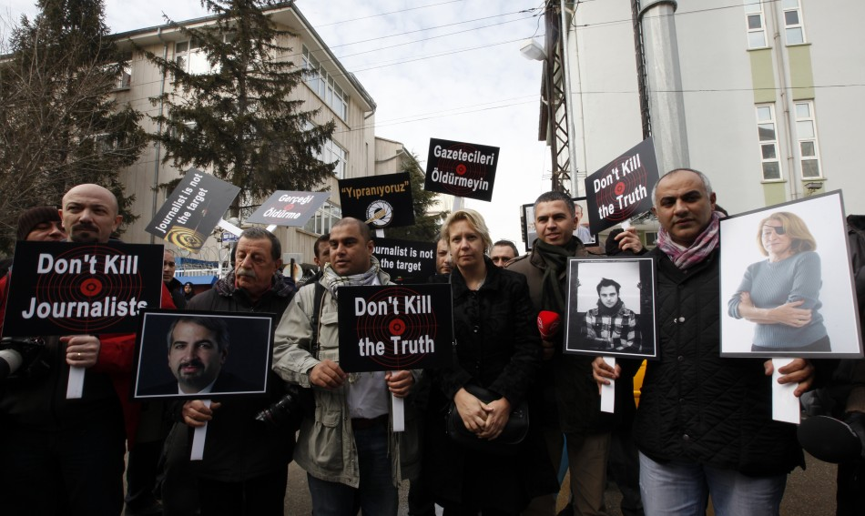 Turkish journalists in Ankara demonstrate against killing of journalists in Syria