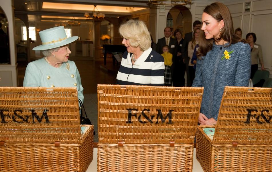 Fortnum & Mason Tea: Kate Middleton's Azure Coat & Queen's Cake in Pictures