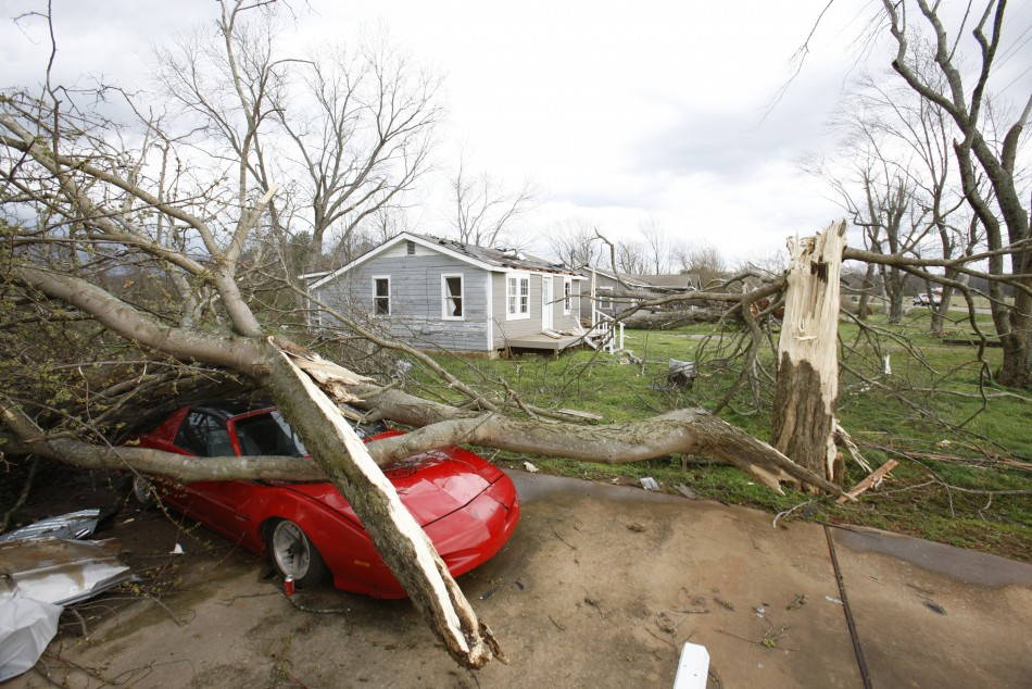 Tornado strikes South and Midwest US states