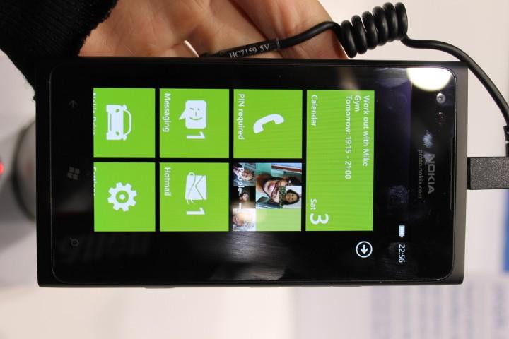 Lumia 800 vs Lumia 900: A Guide to Nokia's Latest Windows Phone
