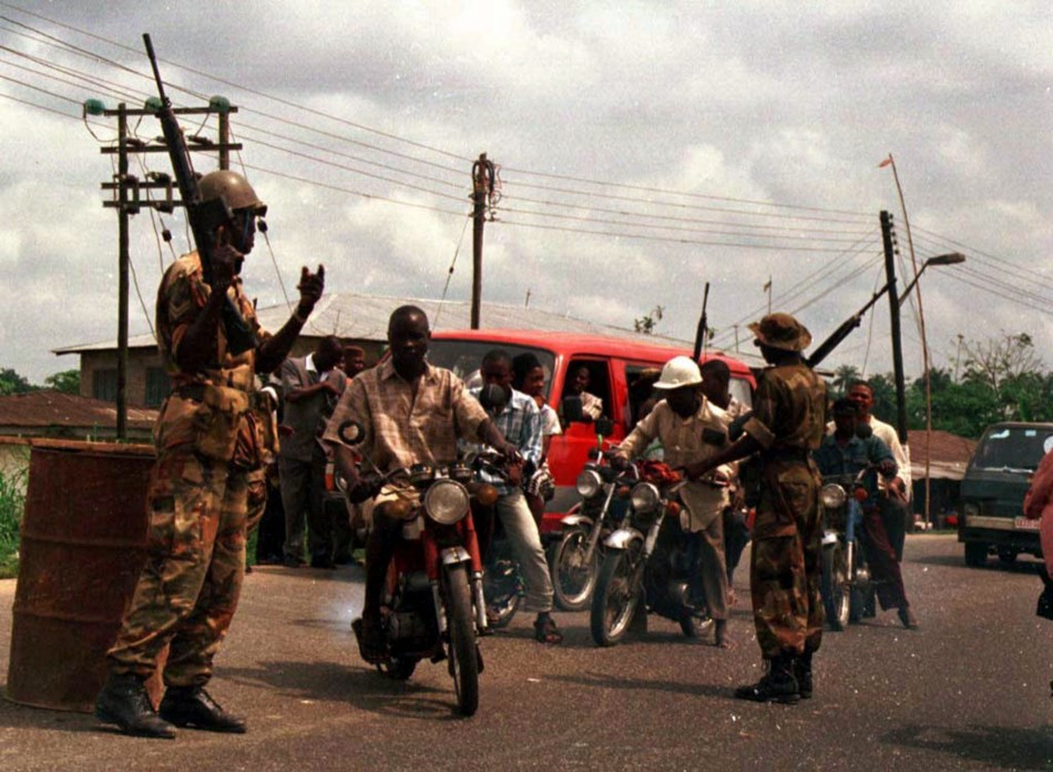 Nigerian soldiers at checkpoint in oil-producing Niger Delta
