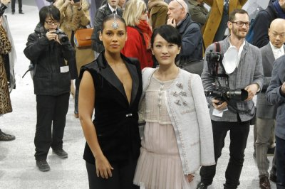 Celebrities and Fashionistas at Chanels Paris Fashion Week Show