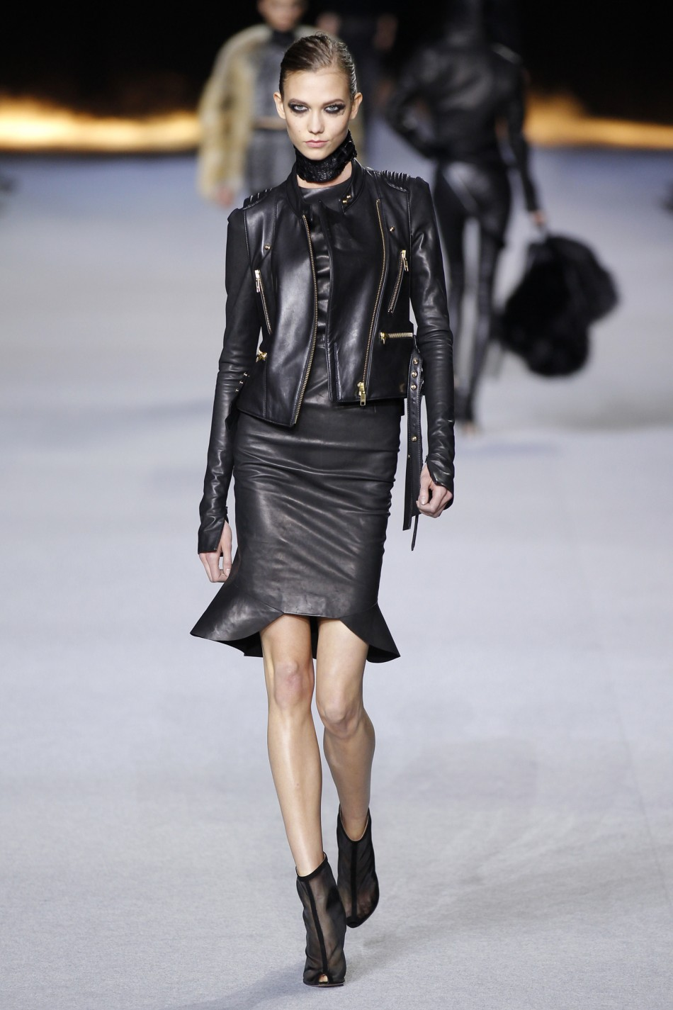 Karle Kloss Catwalk Return Modelss Top 10 Looks at Paris Fashion Week