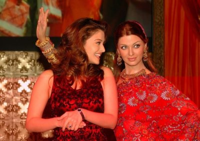 Bollywood Stars at Madame Tussauds Wax Museum PHOTO