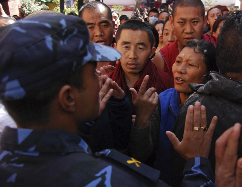 Police stop Tibetans planning to organize a rally