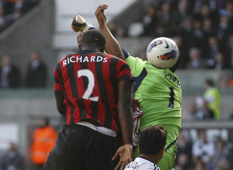 Soccer - Barclays Premier League - Manchester City v Swansea City -  Liberty Stadium