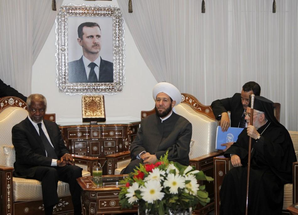 UN-Arab League envoy Kofi Annan with clerics in Damascus