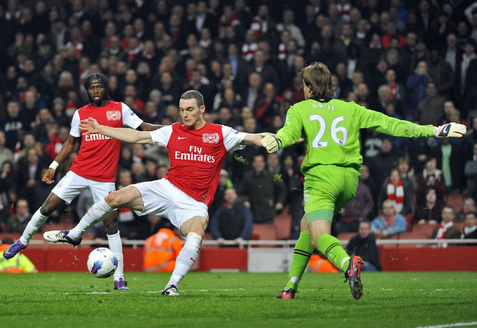 Arsenal Vs Newcastle: Arsenal Vs Newcastle: Van Persie And Vermaelen Make It