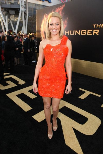 Elizabeth Banks at The Hunger Games World Premiere at Nokia Theater L.A Live