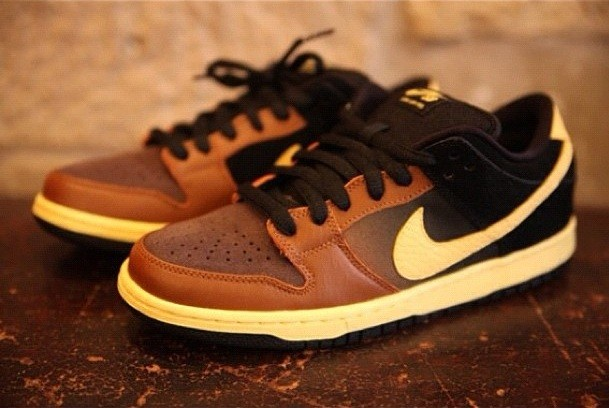 Nike Black and Tan