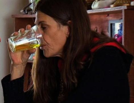 Cancer sufferer Carrie has been drinking own urine for four years