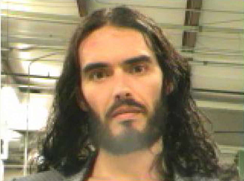 Russell Brand Gives Up 4 Million Pounds To Kate Perry