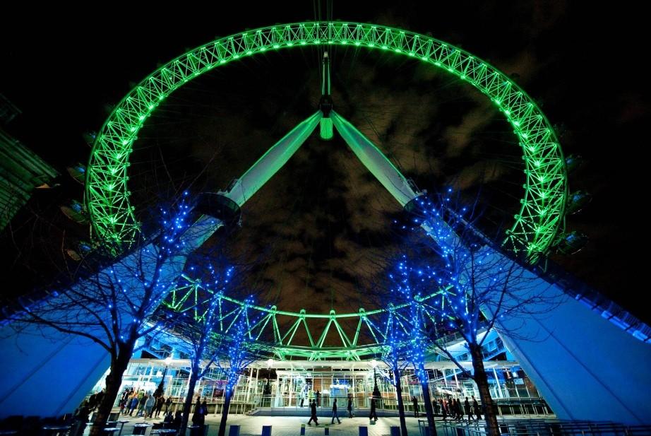 St Patricks Day Goes Green London Eye Empire State