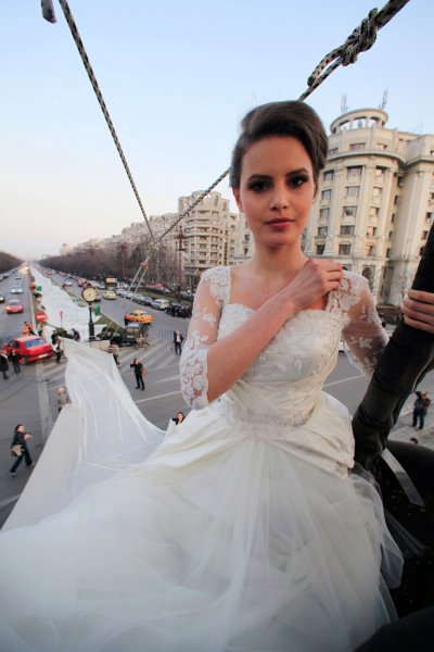 Longest Wedding Dress Romanian Models Wins World Records for 2,750 Meter Train
