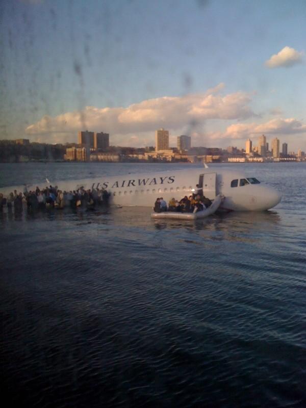 Plane Hudson