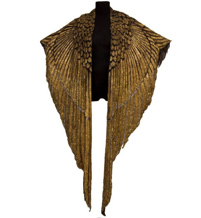 Cape worn by Elizabeth Taylor for iconic scenes in 1963 film Cleopatra is set for  auction