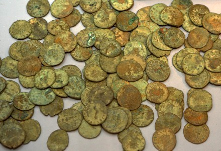 Largest Collection of 30000 Roman Coins Unearthed in Britain