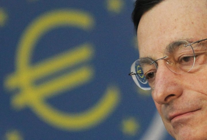 "European Central Bank President Mario Draghi called for a euro zone ""growth pact"" the day before new indicators of poor economic sentiment were released by the European Commission."