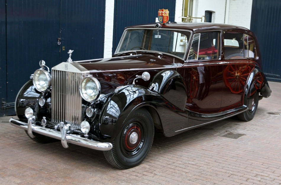 Goodwood Celebrates Queen's Diamond Jubilee with Exclusive Royal Cars Display