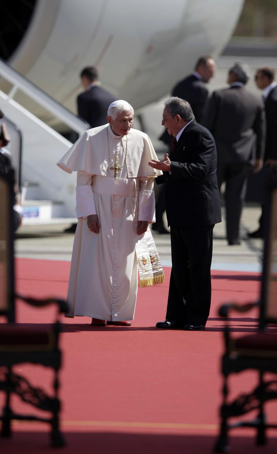 Pope Benedict XVI L and Cuba039s President Raul Castro